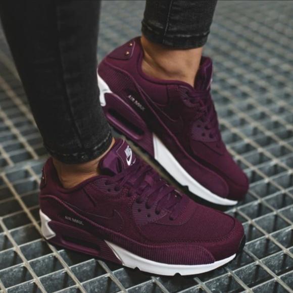 Nike Wmns Air Max 90 Lea Sneakers, Women Black